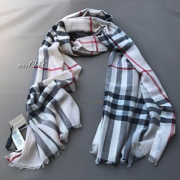 Burberry Check Scarf Lightweight Wool / Silk / Stone NEW!