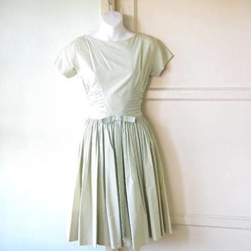 Midcentury Vintage Fit & Flare Mint Green Dress; Size 2-4/XS Adorable Day Dress w/ Bow at Waist