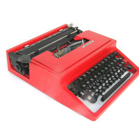 Working typewriter red typewriter vintage portable Olivetti Underwood new ribbon smooth typing