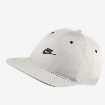 Nike 851653-072 Men hat Running Vapor Pro Tech Cap white