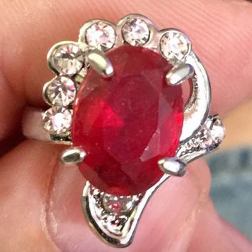 Thorn Red Gem Fashion Ring Size 7
