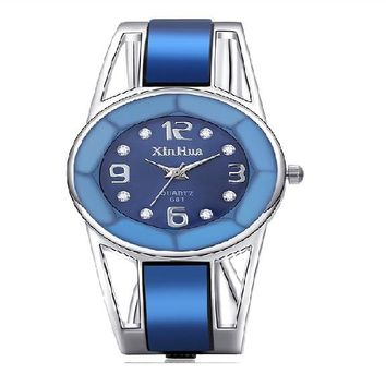 Stainless Steel Dial Quartz Wristwatch For Women