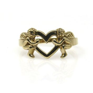 Two Cupids Holding an Open Heart Gold Ring, Vintage, 1930s to 1980s