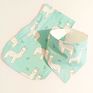 Blue llama burping cloths with matching bandana bib - baby burp cloths - burp cloths for baby - Baby burp rags - babyshower - llama bib