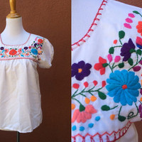 Vtg Mexican Peasant Blouse Floral Embroidered Red orange Flowy Shirt Small Medium multicolor