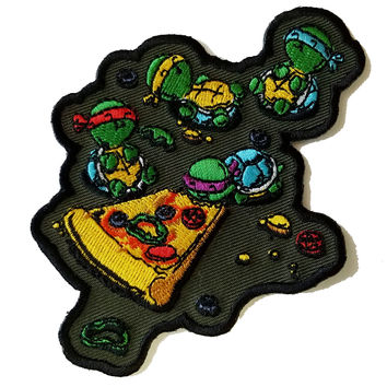 """Pizza Lover"" TV Movie Parody Turtles Eating Pizza - Novelty Iron On Patch Applique HS P - CHL - 0010"