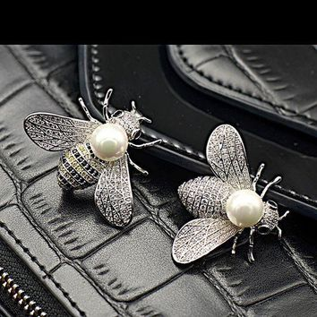 ESBONU3 Shell pearl lovely bees micro inlaid zircon insect brooch