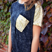 SZ SMALL Holdiay Frost Black Sequin Pocket Tee