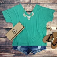 "SHORT SLEEVE ""V"" NECK PIKO IN TEAL GREEN – LaRue Chic Boutique"