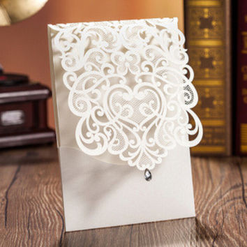 JMJN 50pcs Vertical White Elegant Engagement card / Wedding Invitation Custom With Rhinestone & Laser Cut Flower