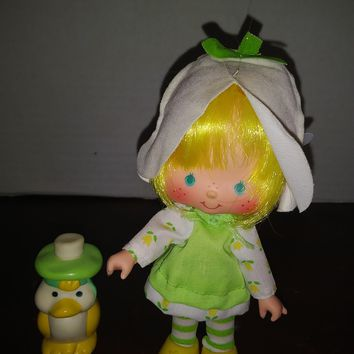 vintage 1980's strawberry shortcake mint tulip doll with marsh mallard pet