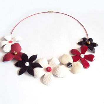 Leather Flowers Necklace Black White Red Floral Leather Jewelry