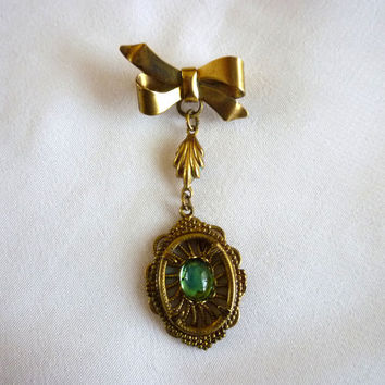 Brass Emerald Dangle Brooch, Victorian Green Cabochon Ribbon Dangling Brooch, Vintage Brass Jewelry