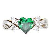 Emerald Heart Shaped Ring – Green Cubic Zirconia Front