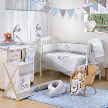 Gray Giraffe 4-Piece Crib Bedding Set