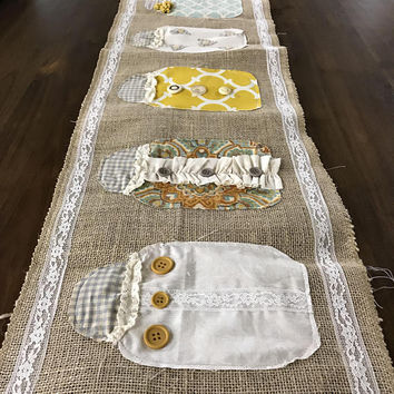 Burlap Table Runner, Modern Rustic Home Decor, Holiday Table Runner, Wedding Table Runner, Farmhouse Runner Bridal Shower gift, Wedding Gift