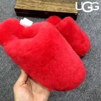 UGG sells fashionable women's velvet-covered wool slippers and sandals #5