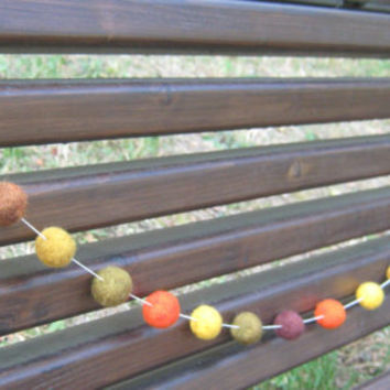 Thanksgiving garland, Thanksgiving decor, felt balls garland, Halloween garland, Halloween decor, Fall colors, Fall garland, Fall decor
