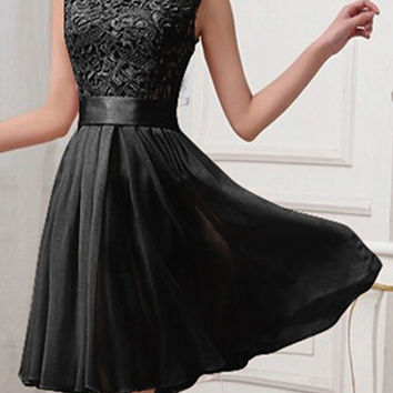 Elegant Black Simple Lace Short Chiffon Homecoming Dresses For Teens K136