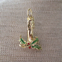 13-0761 Vintage 1950s Goldtone Christmas Brooch / Chirstmas Candle Brooch / Pin Back