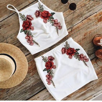 Women White embroidered Strape two-piece skirt