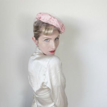 1950s Hat, VINTAGE,Tilt Hat, Birdcage Veil, Pin Up, WEDDING, Fascinator, Pink Hat, 1960s Hat