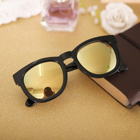 Black and Bright Celebrity Frame Reflective Sunglasses