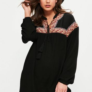 Missguided - Black Oversized Embroidered Yoke Swing Dress