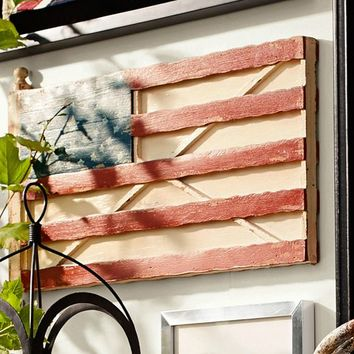 MUSEUM CRAFT COLLECTION - AMERICAN FOLK ART MUSEUM FLAG WALL ART