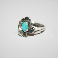 Beautiful Feather Sterling Silver Ring With Turquoise Vintage Ring Size 8.75- free ship US