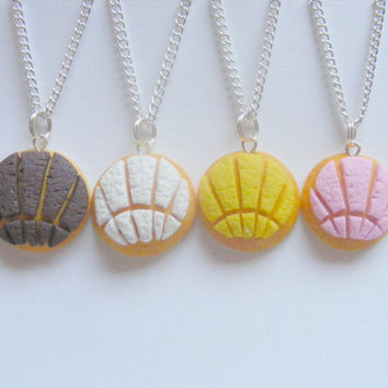 Food Jewelry, Pan Dulce Conchas, Dulce Concha, Miniature Food, Mini Food, Concha Jewelry, Food Jewellery, Mexican Food, Polymer Clay Food