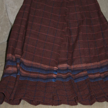 1930s Handmade Wrap Around Skirt, Pleated, Opening in Front w Fringe on it, it Buttons, Beautiful Fabric, Wool, Fashionable, Small Size