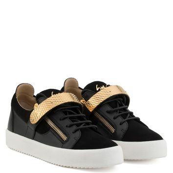 Giuseppe Zanotti Gz Archer Black Calf Leather And Suede Low-top With Metal Bar