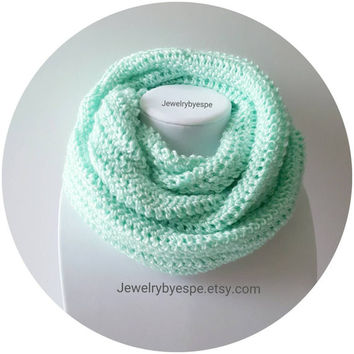Pastel Mint Scarf Chunky Cowl Scarf Infinity Scarf Crochet Scarf Chunky Scarf Winter Scarf Unisex Scarf Neckwarmer Gifts for her