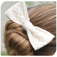 Ivory Lace Bow Hair Clip