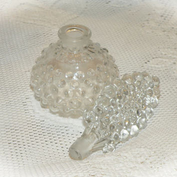Vintage L.G. Wright Hobnail Perfume Bottle with Stopper