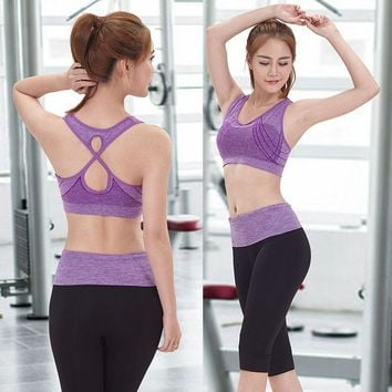Quick Drying Sports Bra and Capri Leggings Yoga Set