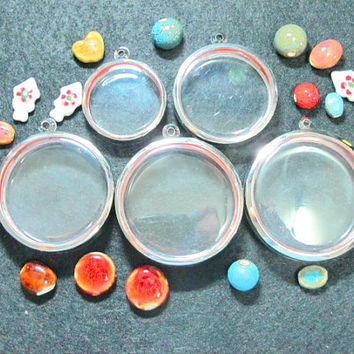 Extra Large Circle Shape Pendant Cases,Mixed Sizes,Set of 5,Reliquaries, Shadow Box Pendants, Clear Locket,Containers, Terrarium Necklace