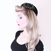1940s Vintage Hat / 40s felt hat / Black and Gold / vintage felt hat / GLAM