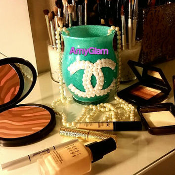 Tiffany Cc white pearls turqoise glitter makeup brush holder