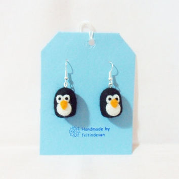 Needle felted penguin earrings - penguin earrings - felted earrings - needle felted penguin - felt penguin
