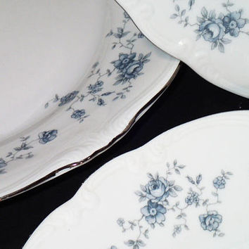 Johann Haviland Bravaria Germany Blue Garland dinner plates, blue / gray floral, Platinum rim, set of 4 vintage dinner plates