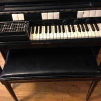 Great 1950s S6 Hammond Chord Organ Black Solid Wood with Bench