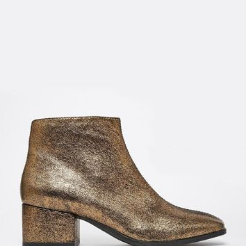 Vagabond | Vagabond Daisy Gold Metallic Leather Ankle Boots at ASOS