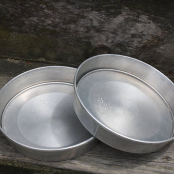 Removable Bottom Cake Pan by Mirro, Aluminum Baking Pan,Vintage Cookware
