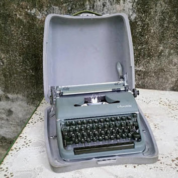 Vintage Olympia De Luxe SM3 Portable Manual Typewriter German Language Typewriter with Case