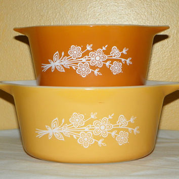 Vintage Pyrex 6 and 7.5 Inch Gold and Pumpkin Casserole or Baking Dishes