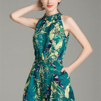 Green Oblique Shoulder Retro Printing Tops And Shorts Suits