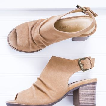 Tena Peep Toe Shoe, Camel | Dirty Laundry