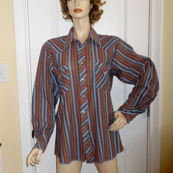 1970s Vintage Trail Ridge Westerns Men's Western Shirt, Sz 16.5, 34, Extra Long Tail, Polyester Stripes, Pearl Style Snaps, Vintage Clothing